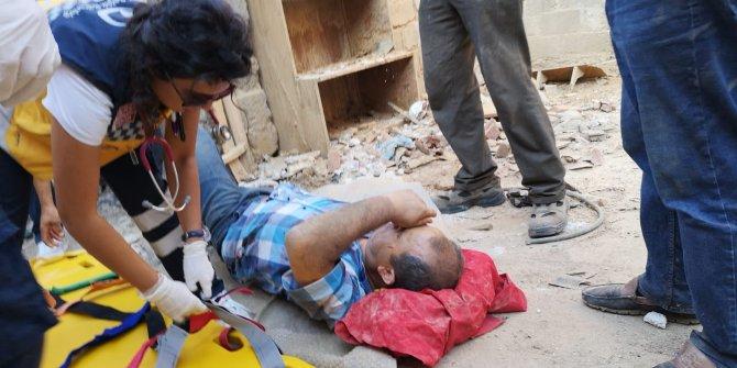 Bina yıkımında 4 metreden düşen işçi, ağır yaralı