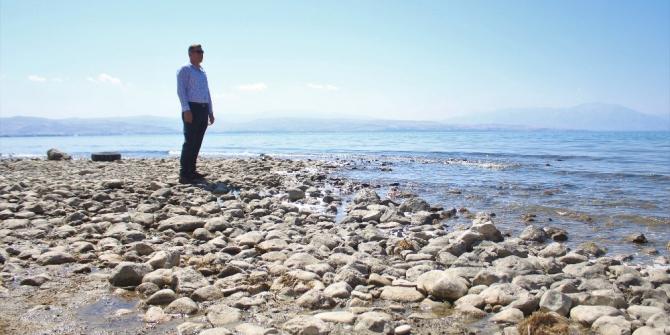 Van Gölü'nde su seviye farkı düşüyor