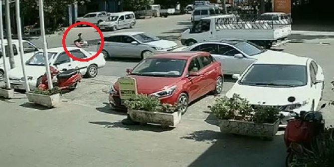 Uyuşturucu şüphelisinin araçtan atlama anı kamerada