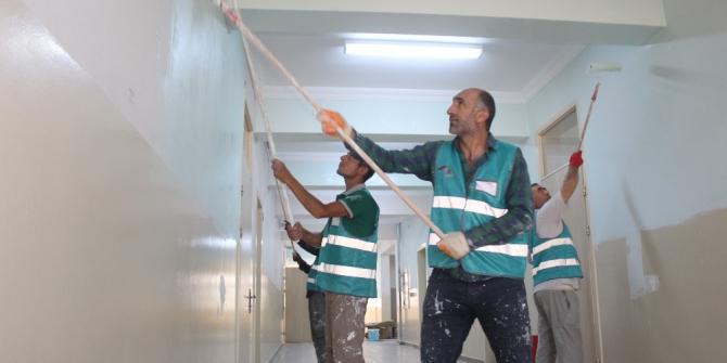 Okullar yükümlülerin eliyle yeni eğitim yılına hazırlandı