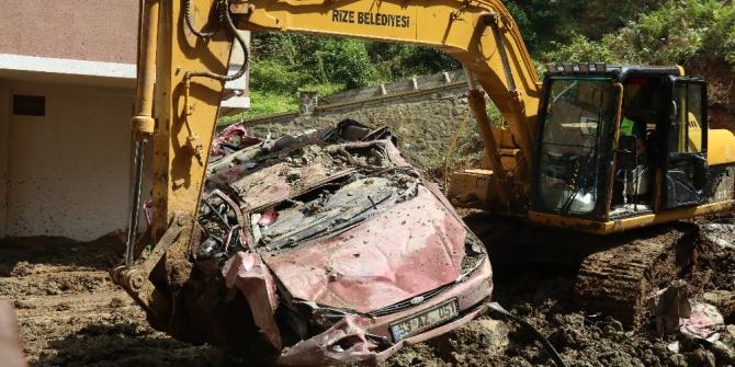 Bu araçların üzerinden 450 kamyonluk toprak alındı