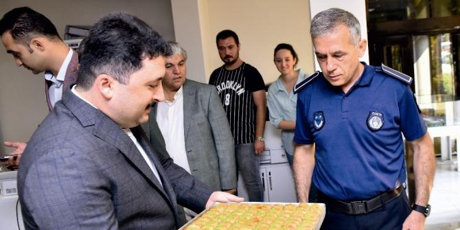 Başkan Avcı'dan zabıtaya jest