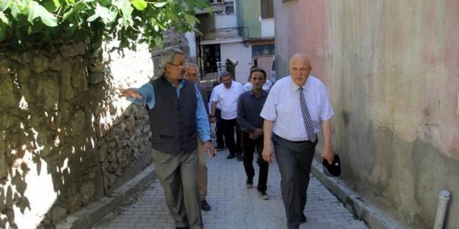Başkan Pekmezci Şeyhhayran Mahallesinde inceleme yaptı