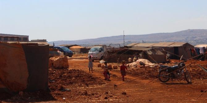 İdlibliler Türkiye sınırına göçüyor