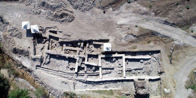 Keykubadiye Sarayı'ndaki kazıda, plan ortaya çıkarılmaya çalışılıyor