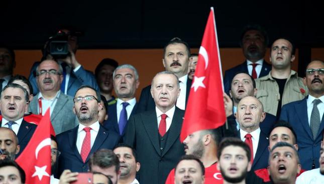 Cumhurbaşkanı Erdoğan, Milli Takımı yalnız bırakmadı