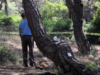 Antalya'da bunalıma giren kişi kendini astı
