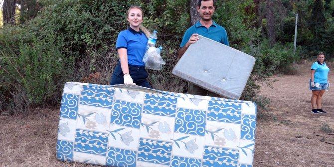Yabancı ve Türk rehberler 'çöp' topladı