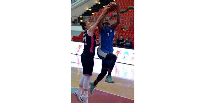 İzmit Belediyespor - Çukurova Basketbol:75-60