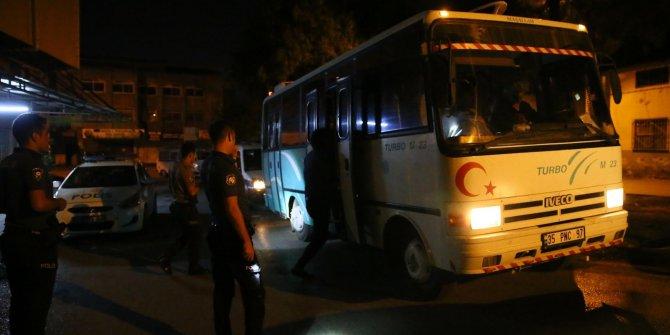 'Dur' ihtarına uymayan midibüste 19 kaçak yakalandı