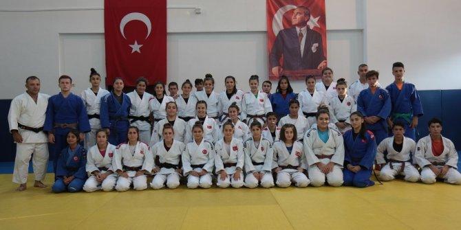 Judo Kadınlar Ümit Milli Takımı Dünya Şampiyonası'na hazırlanıyor