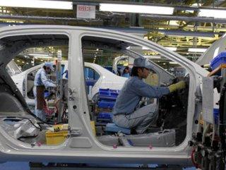 Üretim robotu işçiyi öldürdü