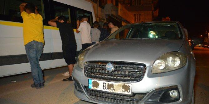 Plakası çamurlu otomobildeki yüzleri maskeli 5 kişi, gözaltına alındı