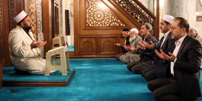 Van'da 'Barış Pınarı Harekatı' için camilerde 'Fetih süresi' okundu