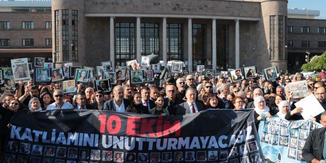 Ankara Garı saldırısında ölenlere hüzünlü anma