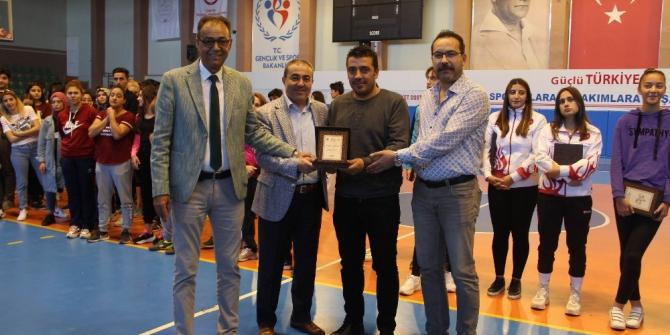 Amatör Spor Haftasında İHA'ya teşekkür plaketi
