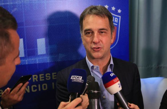 UEFA'dan İstanbul'daki final için açıklama yapıldı