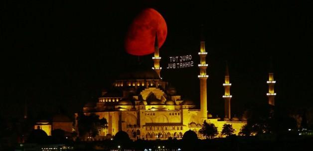 Bu Gece Neden Bin Aydan Daha Hayırlı ?