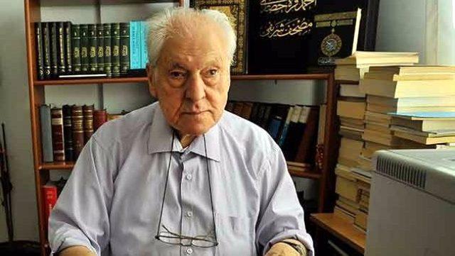 Türk edebiyatının önemli yazarı Nuri Pakdil hayatını kaybetti
