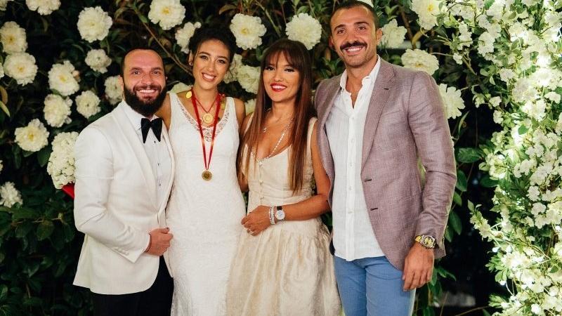 Demet Akalın, Berkay'ın eşiyle Instagram'da kavga etti!
