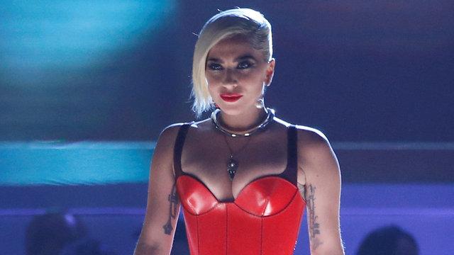 Layd Gaga'dan kucak dansı sonrası şimdi de küvette çıplak poz