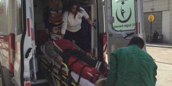 Sokakta yürürken üzerine sunta devrilmesiyle yaralandı