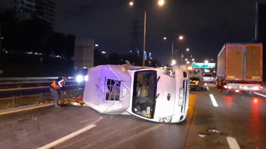 İstanbul Basın Ekspres Yolu'nda kaza oldu! Trafik kitlendi