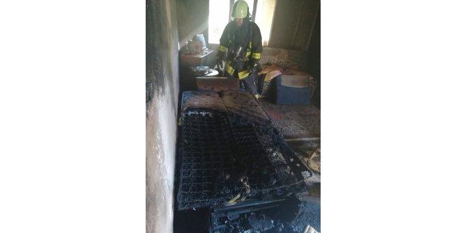 Ahşap evde yangın çıktı, sahibi dumandan etkilendi