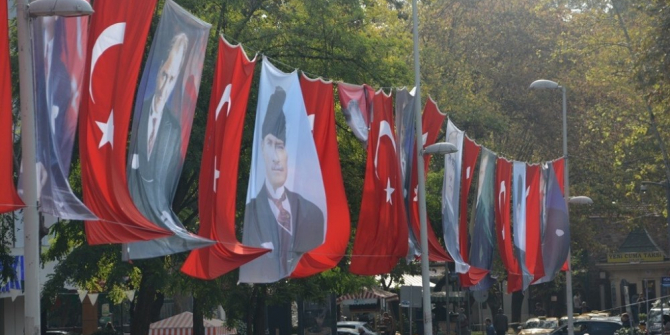 İzmit Türk bayrakları ile donatıldı