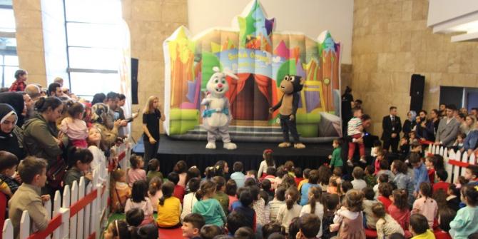 Akıllı Tavşan Momo, Forum Trabzon'da çocuklarla buluştu
