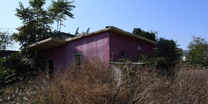 """Gizemli kazının yapıldığı """"kırmızı ev"""" hayalet eve döndü"""