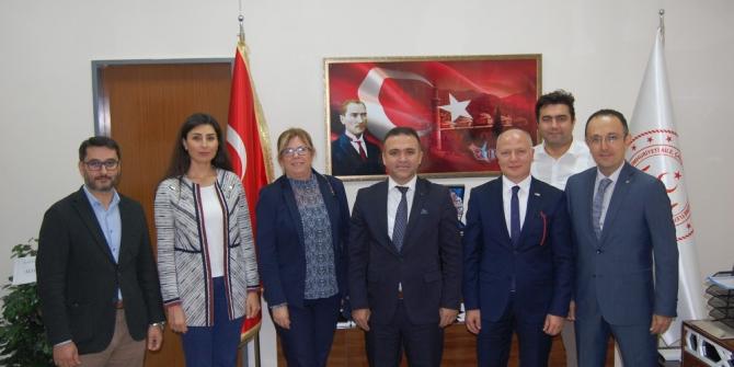 Türk Kızılay dünyaya umut oluyor