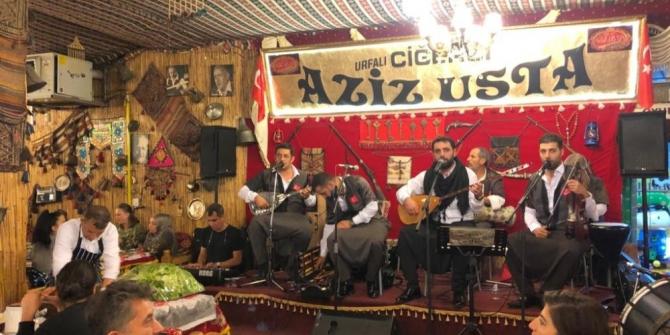 Eskişehir'de Ciğerci Aziz Usta'da Urfa gecesi