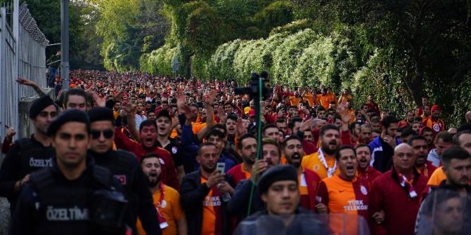 Galatasaray taraftarı Beşiktaş Park'ta