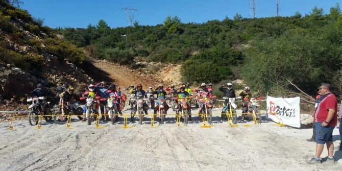 Türkiye Süper Enduro Şampiyonası asker selamıyla başladı
