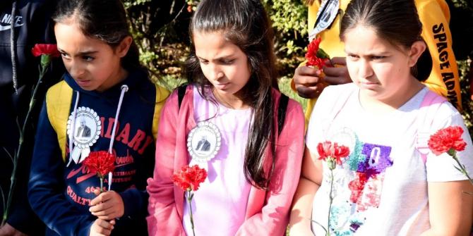 Nuri Pakdil'e kırmızı güller