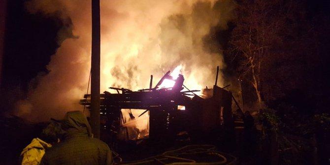 Karabük'te 6 kişilik ailenin yaşadığı ev kül oldu