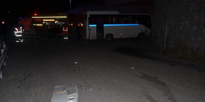 Manisa'da işçi servisi kaza yaptı: 3'ü ağır 26 yaralı