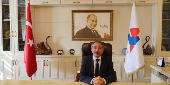 AİÇÜ Rektörü Prof. Dr. Abdulhalik Karabulut'un Cumhuriyet Bayramı kutlama mesajı