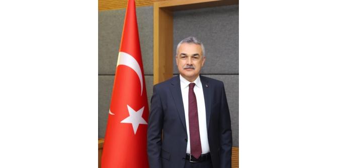 AK Partili Mustafa Savaş, cumhuriyetin 96. yaşını kutladı