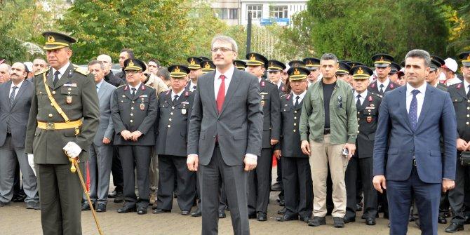 Bingöl'de Atatürk Anıtı'na çelenk konuldu