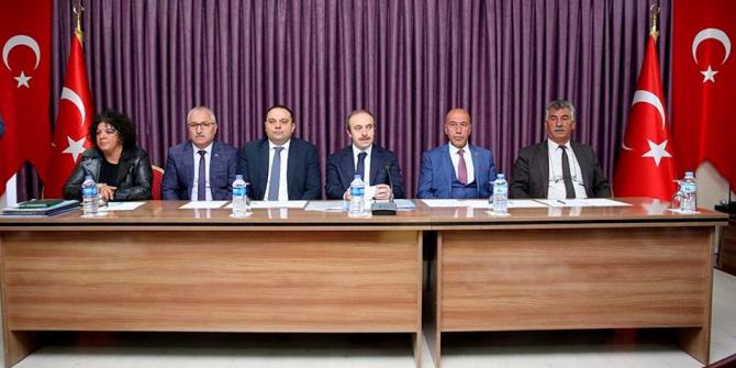 Vali Cüneyt Epcim tren yolu tartışmalarına açıklık getirdi