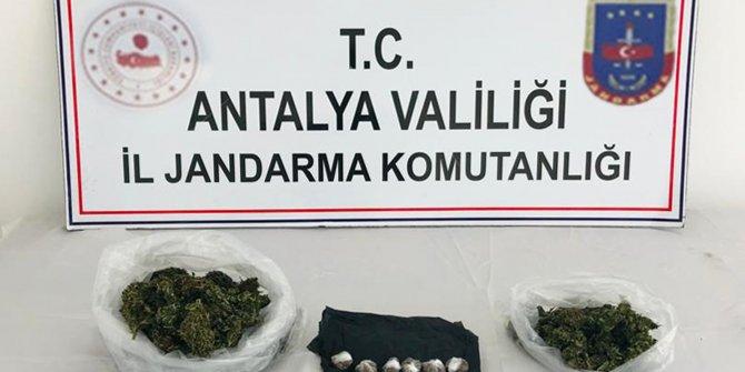Ağılda ele geçen uyuşturucuya 2 tutuklama