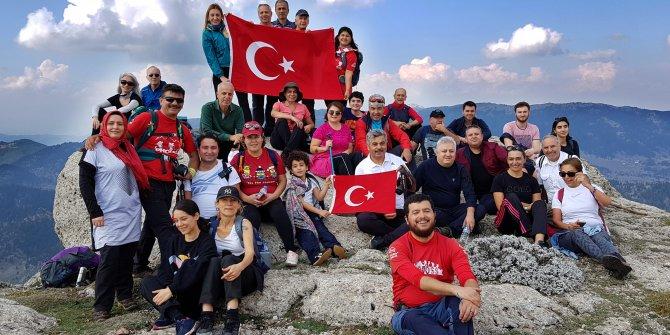 1940 metrelik zirvede Cumhuriyet Bayramı kutlaması