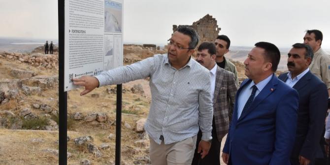 """Beyoğlu: """"Zerzevan Kalesi UNESCO Dünya Kültür Mirası Listesi'ne alınmalı"""""""