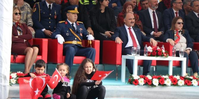 Kayseri'de 'Cumhuriyet' coşkusu