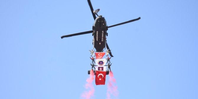 JÖAK'tan helikopterli Cumhuriyet gösterisi