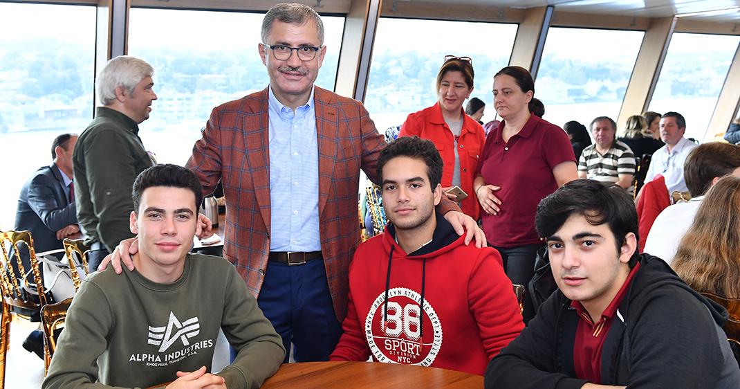 Üsküdar Valide Sultan Gemisi'nde Boğaz'ın eşsiz tarihi anlatıldı