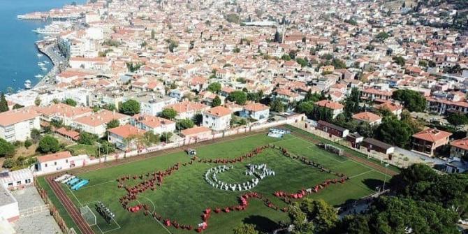 Ayvalık'ta Cumhuriyet Bayramı coşkusu zirveye taşındı