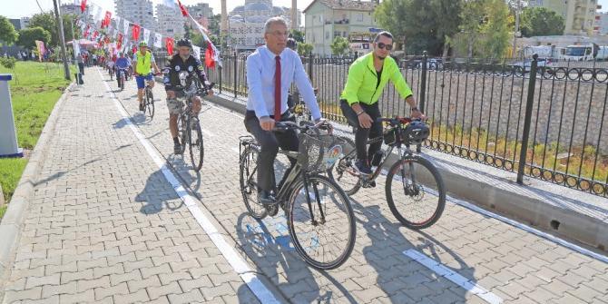 Mezitli'de1 kilometrelik bisiklet ve yürüyüş yolu açıldı